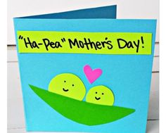 Easy Mother's Day Cards & Crafts for Kids to Make - Sassy Dealz Mothers Day Cards Craft, Mothers Day Crafts For Kids, Fathers Day Crafts, Crafts For Kids To Make, Kids Cards, Happy Mothers Day, Cute Mothers Day Gifts, Funny Crafts For Kids, Dad Gifts