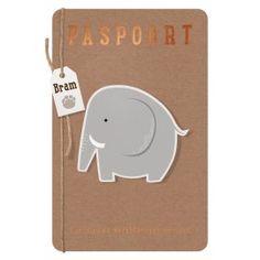 Originele geboortekaart als paspoort met opplakdiertjes, touw en labeltje