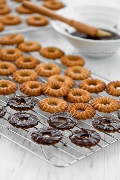 Orzechowe ciasteczka z czekoladą (z maszynki)