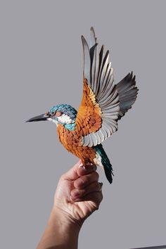 Realistici Sculture uccello di carta di Diana Beltran Herrera | Yatzer