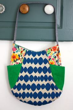 Selfish Sewing...241 tote pattern by Noodlehead sewn by Buzzmills