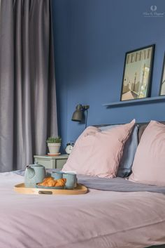 Bedroom - slaapkamer - in the colour Greek Sky. Here painted with Licetto a paint with a matte appearance that very washable is. Bedroom Paint Colors, Paint Colours, Greek, Sky, Curtains, Pure Products, The Originals, Photography, House
