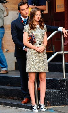 Official Couple: Blair (Played By Leighton Meester), Wearing A Burberry Dress With A LAMB Clutch, With Chuck