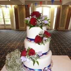 Jubillee Wedding Cake! Best of British!