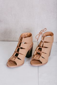 Beautiful tan heel with cute lacing!