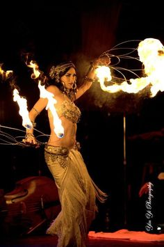 Add a little spark to your wedding reception with a fire dancer! 15 Foolproof Ideas for a Fun Wedding Reception Tango, Tribal Fusion, Dance Oriental, Dark Black, Fire Fans, Fire Dancer, Into The Fire, Tribal Belly Dance, Belly Dance Costumes