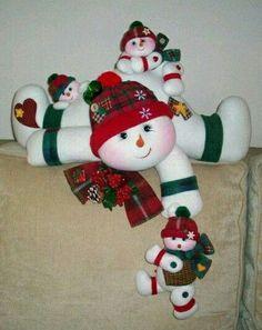 *** Felt Christmas Decorations, Christmas Centerpieces, Christmas Baubles, Christmas Baby, Christmas Snowman, Handmade Christmas, Christmas Crafts, Holiday Decor, Crotchet Patterns