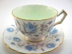 Hoi! Ik heb een geweldige listing gevonden op Etsy https://www.etsy.com/nl/listing/173680217/aynsley-antique-1930s-tea-cup-and-saucer