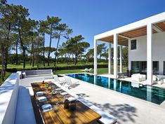 Um resort de luxo pra chamar de seu: Quinta do Lago inaugura condomínio dos sonhos