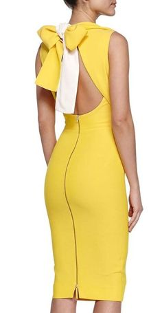 Victoria Beckham Double-Faced Bow-Back Sheath Dress Sexy Dresses, Cute Dresses, Short Dresses, Fashion Dresses, Sheath Dress, Dress Skirt, Bodycon Dress, Fashion Line, High Fashion