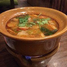 海老の辛くて酸っぱいスープ(トムヤムグン)