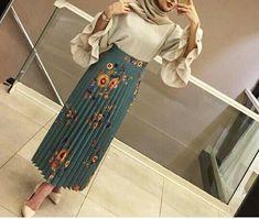 #hijab #outfits #hijabstyle #fashion #skirt #hijabfashion Pinterest: @GehadGee Abaya Fashion, Muslim Fashion, Modest Fashion, Skirt Fashion, Fashion Outfits, Hijab Style Dress, Hijab Chic, Hijab Outfit, Eid Outfits