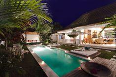 Villa Massilia 1- 4 bedroom private villas - private swimming pool, Villa Massilia is a fresh, 4-bedroom Bali holiday rental villa, located in central Seminyak, 15 minutes walk to the famous Kudeta beach restaurants and Seminyak beach has to offer.