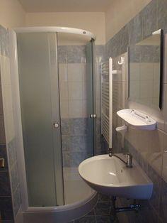 Vila Kamila - Česká republika ubytování Bathtub, Standing Bath, Bathtubs, Bath Tube, Bath Tub, Tub, Bath