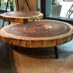 Concrete Furniture, Log Furniture, Refurbished Furniture, Wooden Stools, Wooden Tables, Oak Coffee Table, Wood Interior Design, Rustic Doors, Wood Interiors