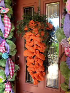 Carrot wreath for Easter! Purchase on Chic Affair's Etsy page.