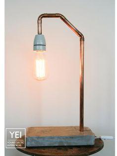 FeelGood Market online:YEI Industriële koperen en cementen tafellamp