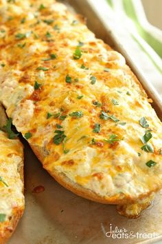 Shrimp & Artichoke French Bread - A perfect appetizer made with a cheesy, creamy topping filled with shrimp and artichokes! Shrimp Appetizers, Bread Appetizers, Popular Appetizers, Casserole Recipes, Bread Recipes, Cooking Recipes, Pizza Recipes, Cooking Ideas, Artichoke Bread Recipe