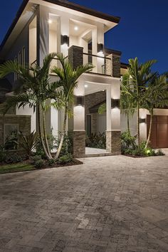 Mansions homes Dream house mansions Rich people lifestyle Mansions luxury Modern mansions House goals Style At Home, Florida Mansion, Design Exterior, Modern Exterior, Luxury Homes Interior, Luxury Apartments, Modern Mansion Interior, Small Luxury Homes, Facade House