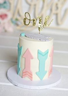 Ideas birthday cake gold frostings for 2019 Smash Cake Girl, Birthday Cake Smash, First Birthday Cakes, Girl First Birthday, Girl Cakes, First Birthday Parties, Birthday Party Decorations, Smash Cakes, Husband Birthday
