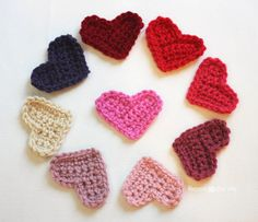 Repeat Crafter Me: Easy Crochet Heart Pattern