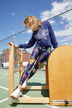 """Street & Sporty Styles Collide In P.E Nation's Performance Wear """"Sweat It Out"""" Collection Vinyl Leggings, Lycra Leggings, Sporty Look, Sporty Style, Sweat It Out, Athleisure Outfits, Poses, Running Tights, Workout Wear"""