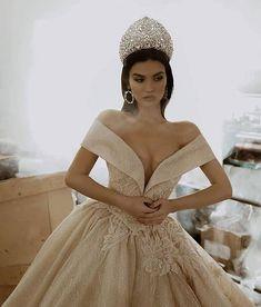 39 Super Ideas For Wedding Dresses Red Sparkle Extravagant Wedding Dresses, Gold Wedding Gowns, Most Beautiful Wedding Dresses, Red Wedding Dresses, Princess Wedding Dresses, Beautiful Gowns, Bridal Dresses, Dubai Wedding Dress, Grey Bridesmaid Dresses