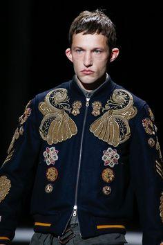 Dries Van Noten Fall 2016 Menswear Fashion Show Details