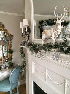 Christmas mantle with Efex by Maison Decor