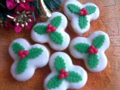 Christmas Ornaments, Holiday Decor, Food, Christmas Jewelry, Essen, Meals, Christmas Decorations, Yemek, Christmas Decor