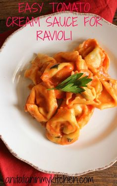 Easy Tomato Cream Sauce for Ravioli, an easy delicious creamy tomato sauce perfect for ravioli and pasta. A must try/anitalianinmykitchen.com