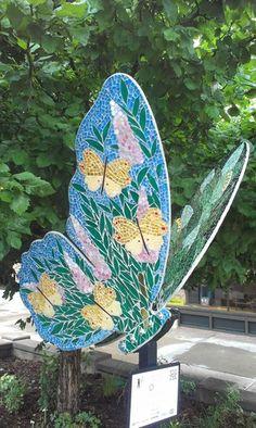 """""""Hearts A'Flutter"""" by Juanita Canzoneri, JCanz Studio Mosaic Art, Mosaic Glass, Glass Art, Surfboard, Hearts, Sculpture, Studio, Garden, Artist"""