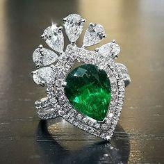 http://rubies.work/0569-emerald-rings/ Emerald &Diamonds