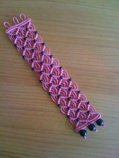 Lilac macramé bracelet with dark bead accents. Macrame Design, Macrame Art, Macrame Projects, Macrame Knots, Macrame Necklace, Macrame Jewelry, Macrame Bracelets, Macrame Patterns, Beading Patterns