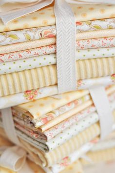 Fig Tree and Co cream bundle; love these soft colors Quilt Material, Sewing Material, Sewing Hacks, Sewing Crafts, Sewing Projects, Shabby Chic Fabric, Tree Quilt, Fabric Patterns, Sewing Patterns