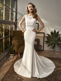 Enzoani Wedding Dress. Find Enzoani and More at Here Comes the Bride in San Diego, CA. HCTB.net (619) 688-9201