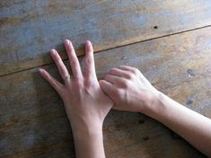 If You Rub Your Finger for 1 Minute, You'll be Stunned by What Happens to Your Body - Likes Migraine, Rapid Heart Beat, Heart And Lungs, What Happened To You, Lunges, Helpful Hints, Finding Yourself, Shit Happens, Amazing