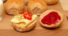 Grove rundstykker med gresskarkjerner Cheesecake, Bread, Desserts, Food, Tailgate Desserts, Deserts, Cheese Pies, Cheesecakes, Breads