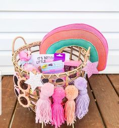 Valentine Baskets, Holiday Gift Baskets, Holiday Gifts, Hoppy Easter, Easter Gift, Easter Crafts, Baby Easter Basket, Easter Baskets For Toddlers, April Easter