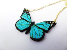 BEAUTIFUL VIBRANT BRIGHT BLUE VEIN WOODEN BUTTERFLY GOLD PLATED NECKLACE PENDANT