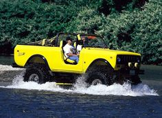 #Yellow International Harvester Scout II