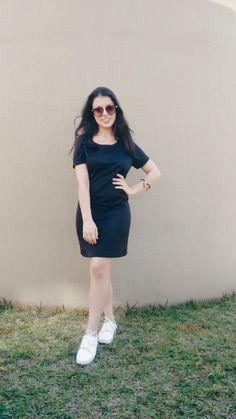 Um vestido preto para o dia a dia pode parecer meio pesado, mas é possível, sim. Confira o resto do Post e veja a inspiração! Vestido preto para o dia a dia: Look completo