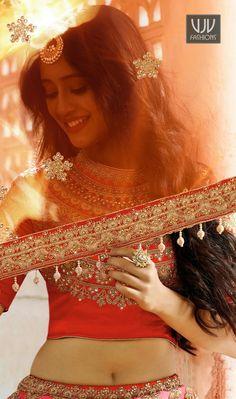 Shivangi Joshi Attractive Red And Pink Designer Lehenga Choli Indian Bridal Photos, Indian Bridal Fashion, Men's Fashion, Fashion Week, Fashion Trends, Bridal Looks, Bridal Style, Indian Wedding Photography Poses, Girl Photography