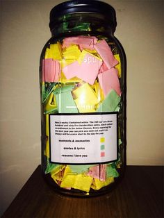 365 Jar filled with quotes, lyrics and love notes but you could adapt the content according to who the gift is for. Love this idea. Best Friend Gifts, Gifts For Friends, Gifts For Him, Bf Gifts, Close Friends, Friends Family, 365 Jar, Diy Cadeau, Love Notes