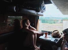 129 отметок «Нравится», 5 комментариев — Дарья Харина (@alexipi68) в Instagram: «Ура) Мы приехали🙈🙈🙈🙈 . Поезд это нереальный кайф, а ещё я наконец то в шортах. . А ещё выйти из…»