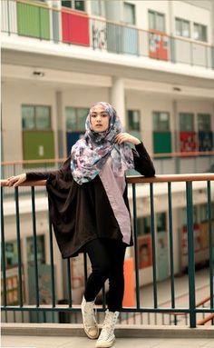 Indah Nada Puspita Street Hijab Fashion, Fashion Pants, Fashion Outfits, Fashionable Outfits, Tartan Pants, Hijab Collection, Hijab Fashionista, Hijab Casual, Modesty Fashion