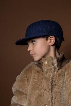 Cap trick Sèvres_Le Panache Paris, a young Brand...Picture by Marion Leflour / Stylism by Davaï Paris