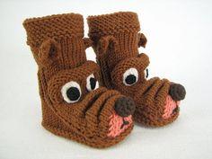 "Strickanleitung Babystiefelchen ""Strolchi"" in 4 Größen Knit Baby Shoes, Crochet Baby Boots, Knit Baby Dress, Knit Baby Booties, Knit Crochet, Slipper Socks, Slippers, Baby Knitting Patterns, Crochet Patterns"