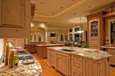 Traditional Kitchens, Modern Oak Kitchen with Traditional Style Design