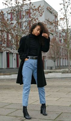 20 more mom jeans outfits winter - mutter jeans outfits winter mom jeans outfits winter - outfits winter Date Night - Night outfits winter - outfits winter Flannel Jeans Outfit Winter, Mom Jeans Outfit, Mom Pants, Look Fashion, Winter Fashion, Fashion Outfits, Woman Fashion, Fashion Ideas, Winter Looks